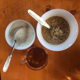 Tsampa au petit dej (farine de céréales avec du thé