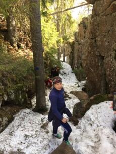 Petite grimpette entre neige, pins et granite