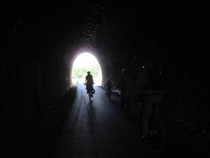 Au bout du tunnel... le Tarn, et plus loin l'Atlantique